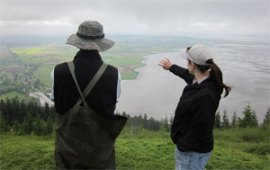 Hikers enjoy the view from Samish Overlook, the gateway to Oyster Dome Trail. Photo: Diana Lofflin, DNR