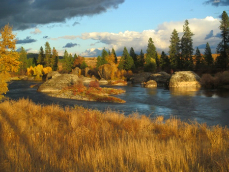 Coyote Rocks, Spokane River