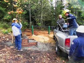 Volunteers at Blanchard Mountain install much-needed equestrian mounting blocks. Photo: Christ Thomsen, DNR.