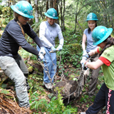 Women woods volunteers