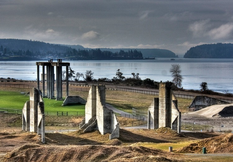 "Chambers Bay Golf Course, home to the 2015 U.S. Open, is a reclaimed gravel mine in University Place. The ""Ruins"" shown above were once used for keeping different sizes of aggregate separate. Photo by Michael D. Martin (Flickr Creative Commons). - See more at: http://wa-dnr-env-mj9qijiduq.elasticbeanstalk.com/programs-and-services/geology/energy-mining-and-minerals/aggregate-resources#sthash.QjSm3WZT.dpuf"