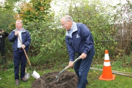 Commissioner of Public Lands Peter Goldmark and Seattle Mayor Ed Murray plant an Incense Cedar tree at Seattle's Arbor Day event on Saturday, October 17.  Photo Linden Lampman/DNR